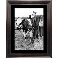 Affiche encadrée Noir et Blanc: La Vache et le prisonnier - Fernandel - 50x70 cm (Cadre Glascow)