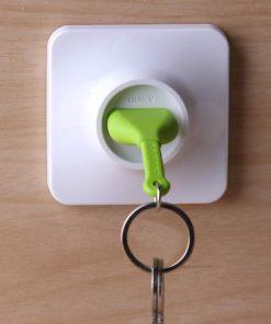 Cet accroche-clés prise murale vous permettra de toujours rester branché et de ne plus égarer vos clefs !