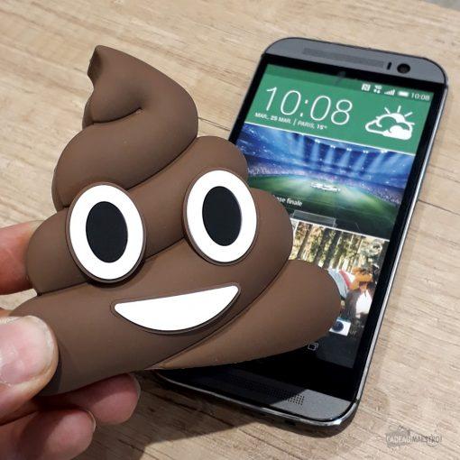 Batterie 2600 mAh additionnelle emojiCâble micro USB/USB inclusDécalée et utilePour ne plus jamais être en panne de smartphone