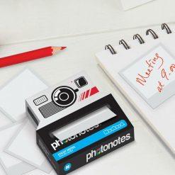 Un mémento à l'effigie des appareils photos des années 80 ... dont s'est inspiré Instagram. Vos petites notes auront des airs très vintage.