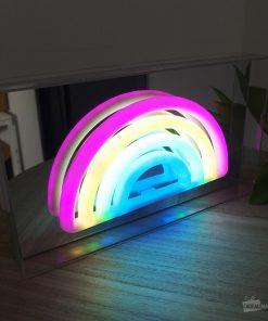 Cette boîte lumineuse sera parfaite pour décorer votre pièce favorite avec une belle touche de féerie. Fonctionne avec 3 piles AA non incluses.