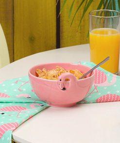 Évadez-vous sous les tropiques avec ce bol tropical en porcelaine. Idéal pour tous les passionnés des flamants roses !