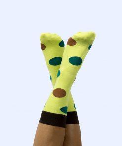 Ces chaussettes atypiques et pleines d'humour iront pour tous les types de pieds grâce à leur taille unique !