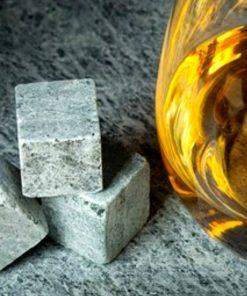 Placez ces pierre dans votre verre de whisky et dégustez le !