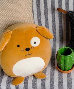 Ce coussin chien en polyester sera idéal pour dormir paisiblement ou pour décorer une chambre d'enfant !