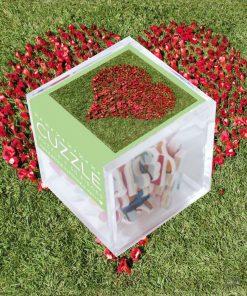 Amusez-vous à réaliser ce petit puzzle de 30 pièces et offrez-le à votre chérie. Réalisé à la main en France.