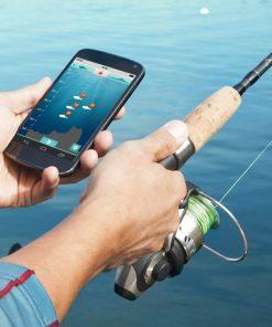 Trouvez facilement les poissons jusqu'à 30 m de vous et 40 m de profondeur ! L'echo-sondeur se connecte par Bluetooth via l'application gratuite iBobber ! De nombreuses fonctionnalités sont à découvrir. (météo