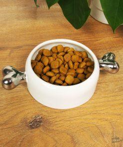 Cette gamelle os pour chien en céramique sera idéale pour convenir à un chien de petite taille. Voilà de quoi mettre ses croquettes ou son eau fraîche dans une écuelle design de qualité !