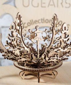 Montez votre porte-bijoux101 pièces à monterAssemblage entre 2 et 4 heures Notice de montage très détaillée