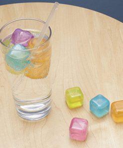 Rafraîchissez vos boissonsDécorez votre apéritifPour les amateurs d'apéritifs et de cocktails30 glaçons colorés pour égayer vos boissons