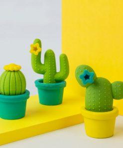 Ces 4 gommes cactus seront parfaites pour gommer tout ce que vous souhaitez ! En plus d'être design et originaux