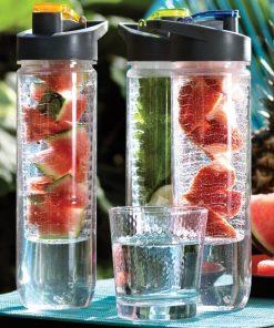 Apportez une touche fruitée à vos boissons fraîches grâce à cette gourde avec infuseur