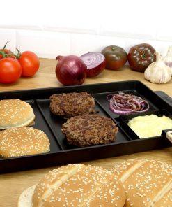 Préparez d'excellents burgers pour le plus grand bonheur de vos papilles ! Voilà de quoi faire plaisir aux petits et grands amateurs de Hamburger ! Cette plaque s'utilise sur tous les feux et même sur le barbecue ! Vos ingrédients seront cuits tous ensemble en 5 minutes !