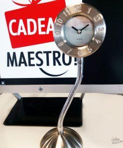Horloge de bureau design avec support flexible.