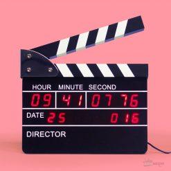 Une horloge réveil clap de cinéma qui ravira tous les fans du 7e art et créera une vraie atmosphère design dans votre intérieur...