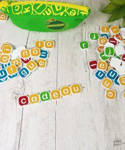 Parfait pour apprendre aux enfants à lire.3 niveaux de jeu. 80 Lettres et 13 lettres doubles.