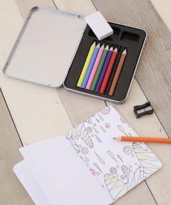 A emporter partout8 crayons de couleur18 dessins à colorier