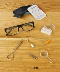 Ce kit de réparation de 16 pièces sera parfait pour réparer vos lunettes ! Il contient tout le nécessaire.