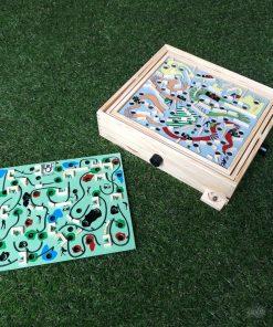 Coffret bois qualitatif4 jeux sur 2 plateaux recto-versoAdresse et concentration exigéesJeu solo mais défis à plusieurs !