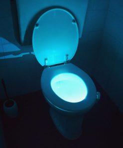 Illuminez vos toilettesPour un style original sur le trôneLa lumière s'allume en vous détectant7 couleurs différentes LED