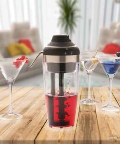 Laissez place à la fête et la bonne humeur !Réalisez vos cocktails maison facilement et rapidementImpressionnez vos amis lors de vos apéritifsFonctionne avec des piles