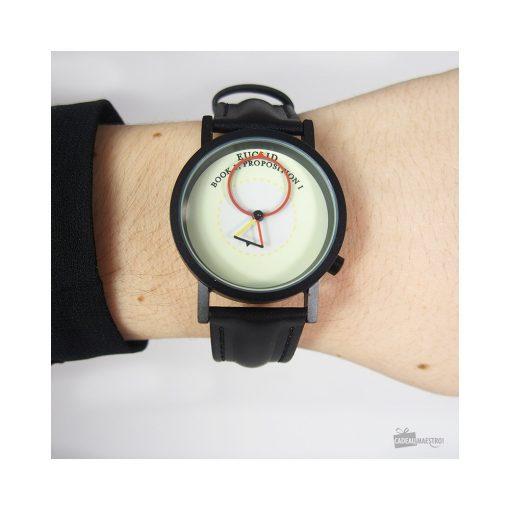 Une montre pour les fan de mathématique.