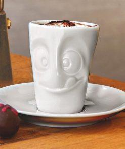 Ce mug expresso gourmand avec soucoupe sera idéal pour boire un bon café ! Les vaisselles sont en porcelaine.
