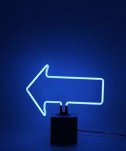 Colorez votre intérieur en bleuAjoutez un style rétroBase tendance façon béton29 cm de hauteur