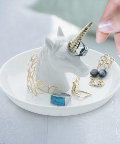 Unicorn XL porte-bagues en céramique. Plateau pour anneaux et bijoux. Fait de céramique. Forme de licorne.. Plateau pour bagues et d'autres petits bijoux. Forme de licorne.