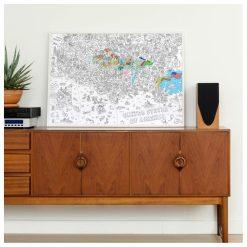 Fabriqué en France  Poster géant : 100 x 70 cm  Carte et dessins représentant les États-Unis Pour créer et colorier à plusieurs !  S'utilise au sol