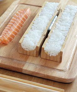 Préparez de délicieux makis sushis avec ce kit d'ustensiles en bambou ! En quelques étapes