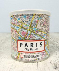 Ce puzzle sera parfait pour découvrir la belle ville de Paris avec une touche d'originalité et de fun ! Assemblez les 100 pièces sur votre frigo et admirez le plan de cette merveilleuse capitale.