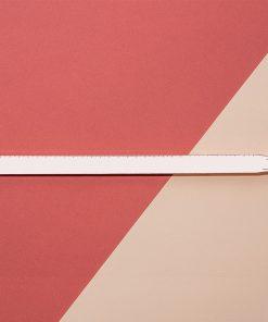 Cette belle règle main en métal de 30 cm sera idéale pour ajouter une touche fun et originale à votre bureau !