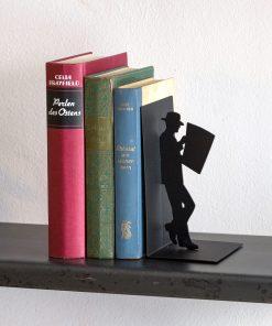 Pour les lecteurs avides fans de films noirsMaintenez vos livres sur votre étagère