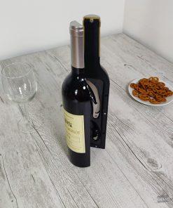 Vous aurez désormais tout le nécessaire pour déguster votre vin entre amis ... ou tout seul autour d'un bon film !
