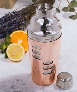 Réalisez de superbes cocktail avec ce shaker. 8 recettes sont gravés sur le contour.