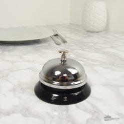 Une sonnette de table en métal