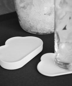 Enjolivez vos apéritifs avec 6 sous-verres en forme de nuage !