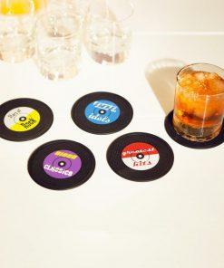 Des dessous de verres qui animeront vos soirées entre amis ... et vous donneront sûrement envie d'écouter d'anciennes musiques.