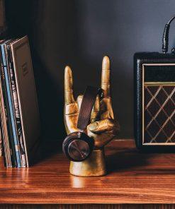 Ce support sera idéal pour poser votre casque et vos écouteurs ! Voilà de quoi ne plus perdre vos accessoires indispensables pour écouter de la musique !