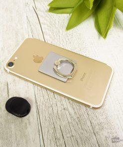 Ce support de téléphone anneau sera parfait pour accrocher votre smartphone dans la voiture.