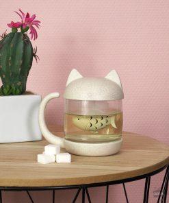 Cette tasse à thé chat avec infuseur sera idéale pour boire du thé en vrac avec classe !