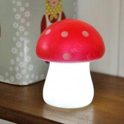 Cette petite lampe à la lumière douce permettra à bébé de s'endormir paisiblement...