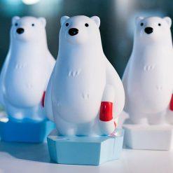 Ne laissez plus jamais la nuit faire peur à vos enfants et laissez l'ours nageur veiller sur eux à chaque coucher