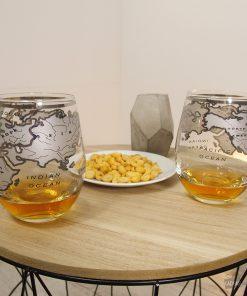 Ces 2 verres mappemonde seront parfaits pour déguster vos alcools préférés !Contenance d'un verre : 530 ml. L'abus d'alcool est dangereux pour la santé