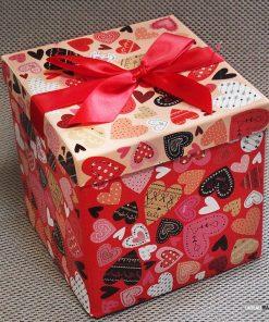 Emballez vos cadeauxBoîte romantiqueGros nœud rouge