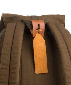 Cette étiquette de bagage en cuir sera idéale pour écrire vos coordonnées et les accrocher sur votre valise. Voilà de quoi ne plus perdre votre bagage !