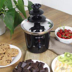 Savourez des fruits ou des bonbons avec du bon chocolat fondu sortant de la fontaine !Fontaine à 3 niveaux.