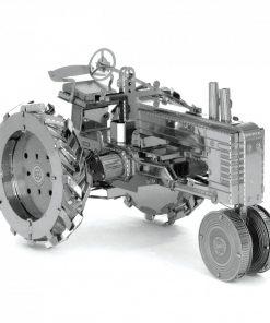 Fabriquez votre propre tracteur miniature avec 2 feuilles en métal finement découpés