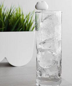 Mettez un petit nuage dans vos verres grâce à ce mélangeur de cocktail.